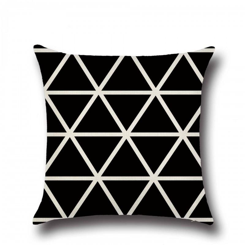 Наволочка декоративная Black triangle