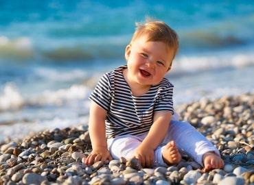 Как привить ребенку любовь к воде в преддверии семейной поездки на море?