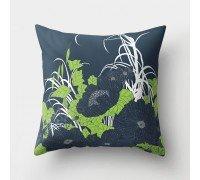 Подушка декоративная Темные цветы 45 х 45 см
